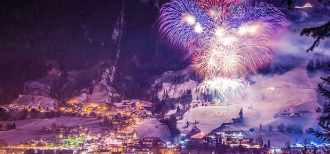 61. Großes Neujahrs- Feuerwerk mit Ski-Show