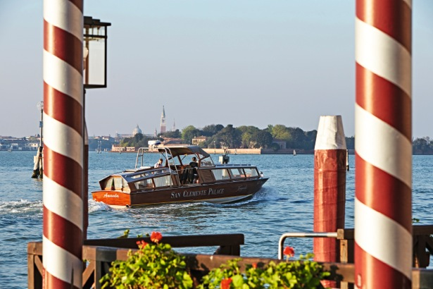 Boat-shuttle_16306_Print